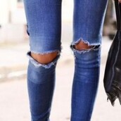 jeans,medium blue,skinny jeans,pants,jeans wow ripped knees,fashion blogger,ripped,skinny,blue jeans,denim,ripped jeans,blue,distressed denim shorts,ripped shorts,rihanna,distressed denim,hole in knee,holey jeans,holey,hot,edgy,hipster,boyfriend jeans,skinny pants,fashion,style,beautiful