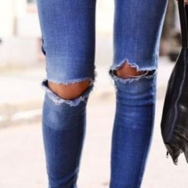 jeans medium blue skinny jeans pants jeans wow ripped knees fashion blogger ripped skinny blue jeans denim ripped ripped jeans blue distressed denim shorts ripped shorts rihanna distressed denim hole in knee holey jeans holey hot edgy hipster boyfriend jeans skinny pants fashion style beautiful