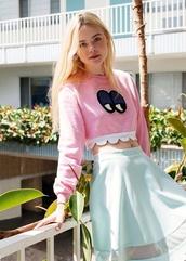 shirt,pink,elle fanning,monster,cute,lovely,sweater,crop tops,top,skirt,summer,skater skirt,girly,girl,blonde hair,long sleeve crop top,pink top,eyes