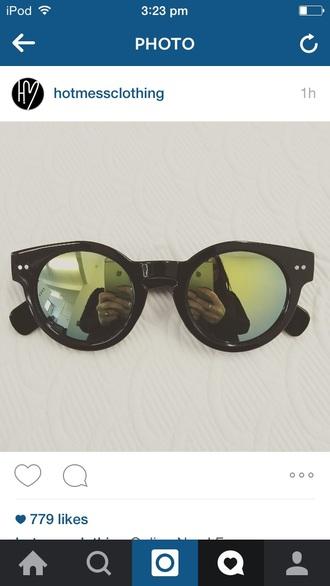 sunglasses black sunglasses black plastic cute glasses glasses green