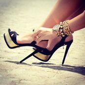 shoes,high heels,jewelry,golden jewels,black shoes,heels,gold heels,fashion,black/white heels,black heels,sexy,sandals,gold,black