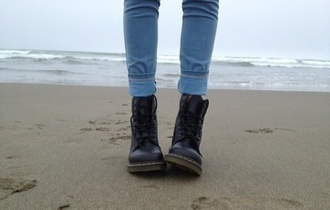 jeans boots blue black shoes leather black shoes black shoes black combat boots
