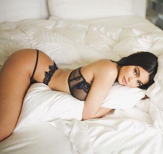 underwear lingerie lingerie set sexy lingerie kylie jenner kardashians instagram panties bralette bra