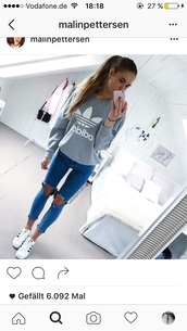 jeans,blue,skinny jeans,blue jeans,ripped jeans,shirt,adidas,tumblr,trefoil,adidas sweater,grey sweater,jumper,grey,adidas orginals