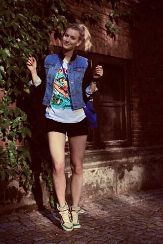 zanita jacket t-shirt shoes shorts bag