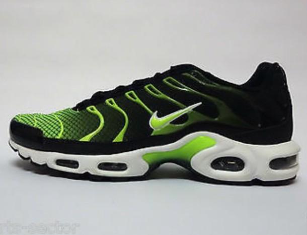 the latest e35c3 25e30 shoes nike nike tn nike tn green white