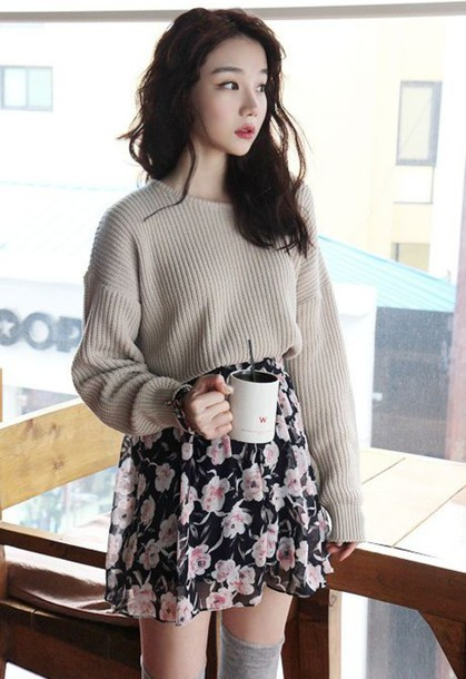 ulzzang floral skirt knitted sweater mug cozy socks sweater tucked in sweater floral skirt cute korean fashion korean fashion korean style fall outfits winter outfits asian