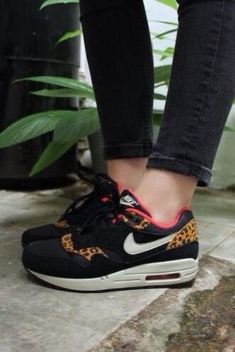 shoes nike nike shoes nike air air max leopard print pink black lovely