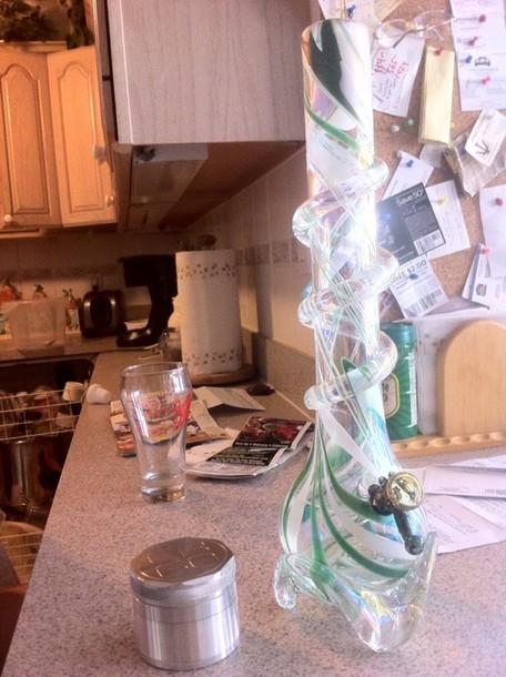 jewels pipe weed smoke water pipe beautiful green glass high tree marijuana leaves