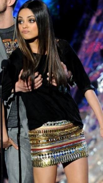 skirt mila kunis colorful mini skirt embroidered shorts shirt hair accessory