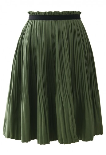 Olive pleated skirt with contrast trimmed waist