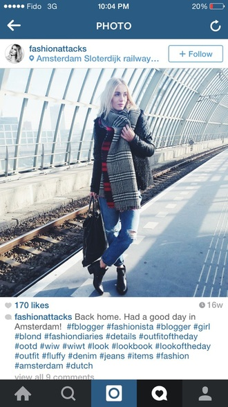 scarf red and black