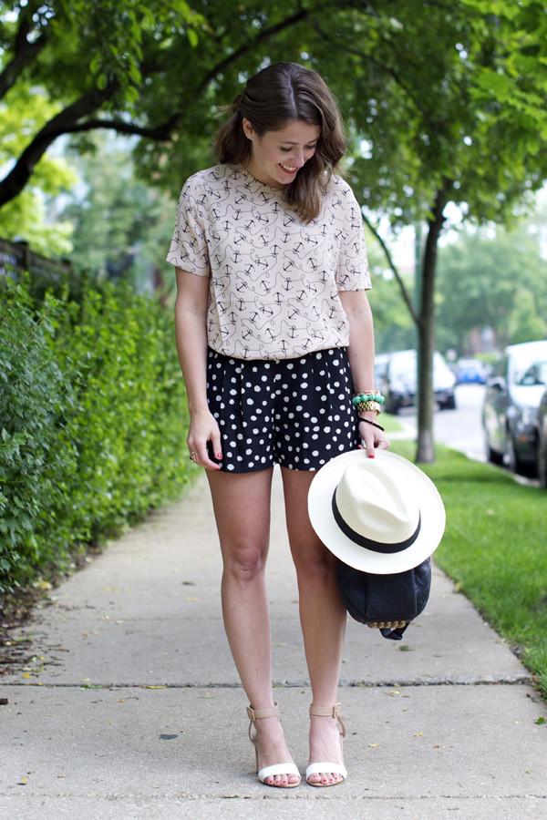 sequins & stripes t-shirt shorts shoes bag hat jewels