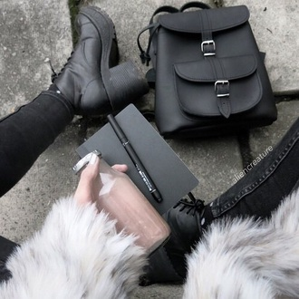 bag black bag shoes backpack grunge cute bag black bag fashion style swag coat cute sweet kawaii outfit furbae tumblr weheartit white fur coat fur jacket soft grunge blackfashion black skinny skinny jeans fashion