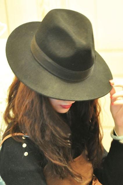 Woolen wide brim gentleman hat