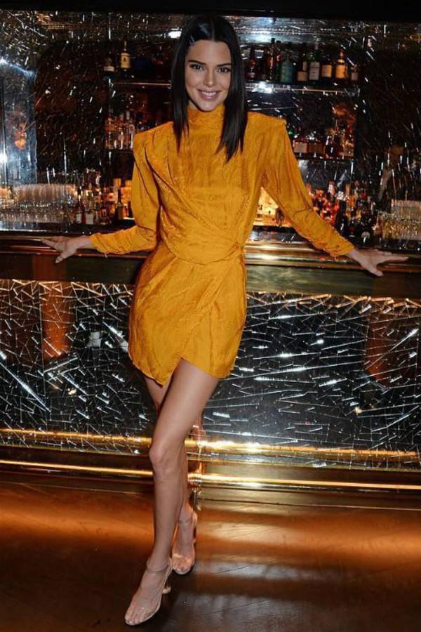 shoes kendall jenner kardashians sandals sandal heels celebrity model off-duty