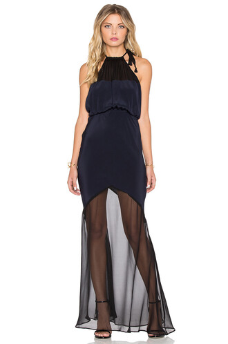 gown black