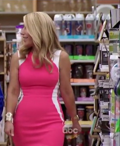 Dress lori greiner shark tank pink dress white dress for Shark tank motorized vehicle suit update