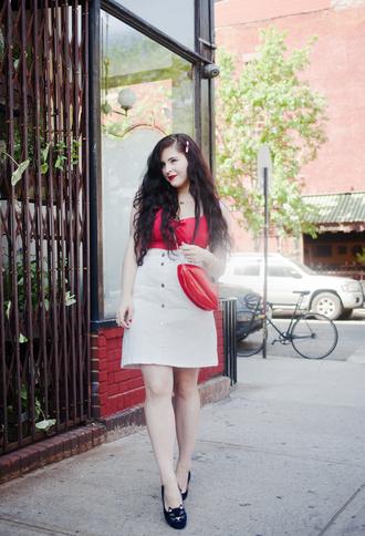 noelles favorite things blogger top skirt bag