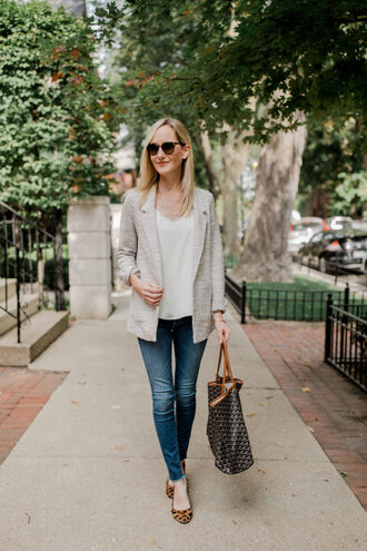 kelly in the city - a preppy chicago life style and fashion blog blogger jacket shirt t-shirt tank top jeans shoes bag jewels blazer tote bag fall outfits