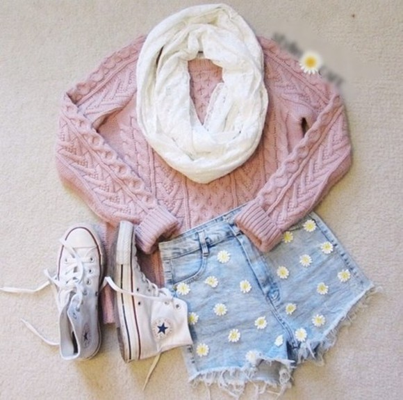 rose lilas shorts daisy sweater scarf jacket High waisted shorts floral denim blue purple