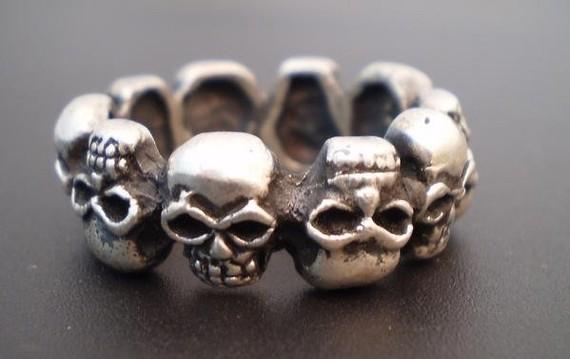 Sterling silver skulls ring par franticjewelry sur etsy