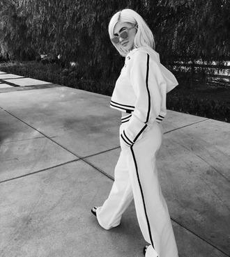 pants hoodie sweatpants kylie jenner sunglasses instagram kardashians sweater