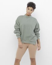 sweater,shirt,sweatshirt,olive green,olive green sweatshirt,olive sweatshirt,zip,zipper sweatshirt,zippered sweatshirt,slit,slit sweatshirt
