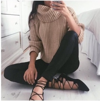 sweater beige comfy sweater lovely wishlist shoes black comfy knitted sweater knitwear winter sweater autumn/winter cosy sweaters fashion turtleneck strappy flats black jeans skinny jeans skinny pants ballet flats cute outfit date outfit tumblr outfit leggings