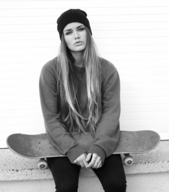 sweater grey sweatshirt crewneck oversized overzised skater skater girl skateboard california girl beauty