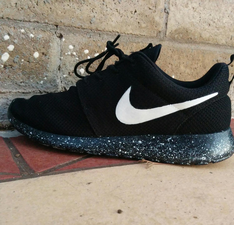 65 Off Lifestyle Nike Roshe Run Mens Shoes Breathable For Summer Black Red For Uk Nike Vip Sweden