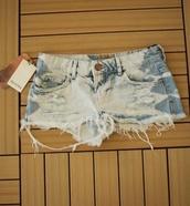 shorts,bleached,acid wash,ripped shorts