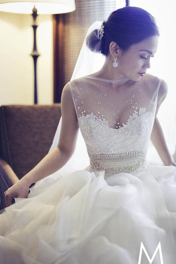 dress vintage wedding dress wedding dress lace dress transparent top wedding dress lace lace v-neckline wedding dress lace wedding dress blouse