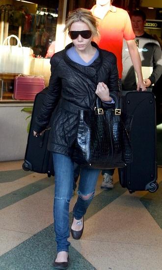 blogger jacket jeans sunglasses bag olsen sisters