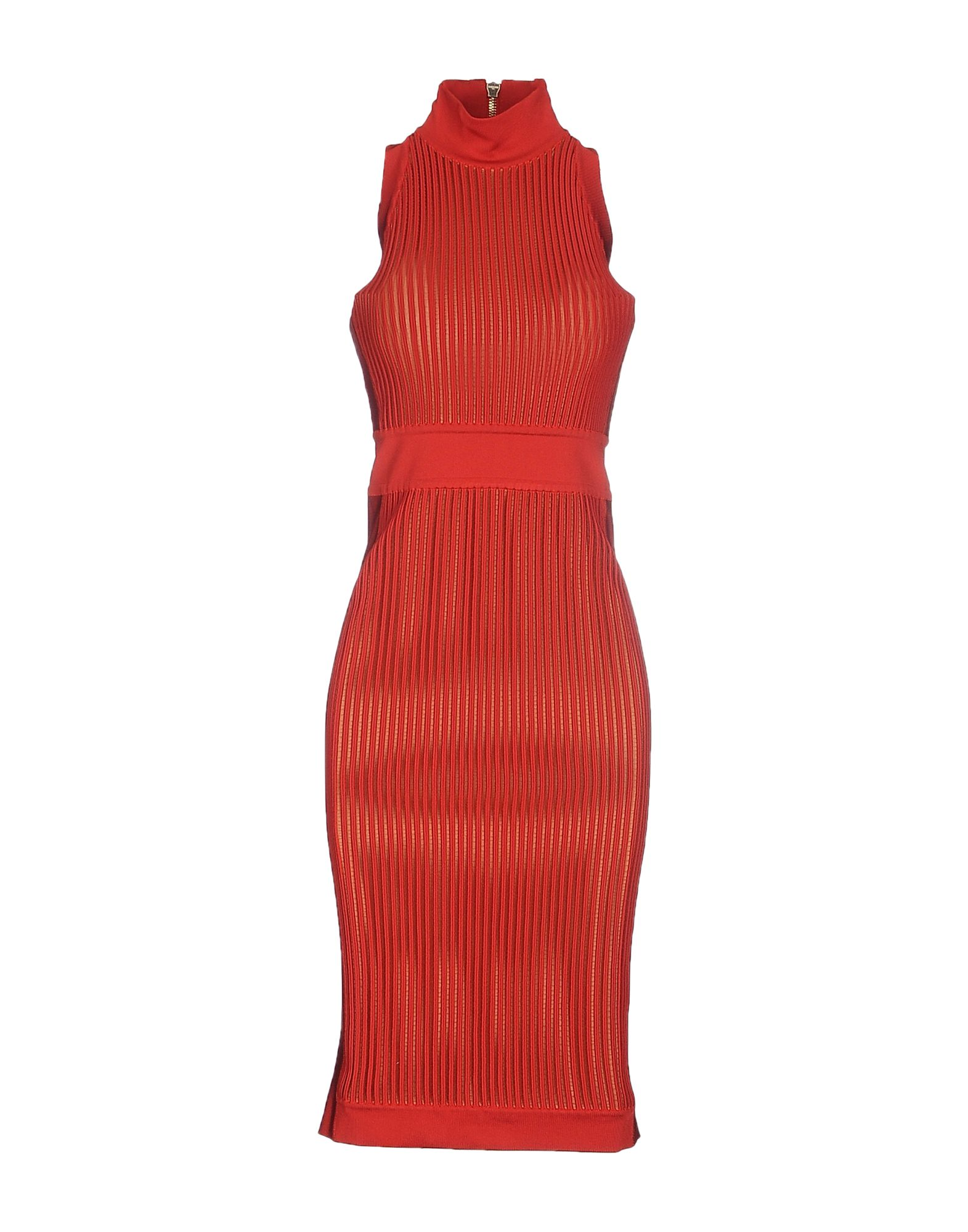 Tobi has thousands of styles, ranging from flouncy jumpsuits & rompers, essential bodysuits and trendy crop tops, to floor-grazing maxi dresses and form-fitting bodycon dresses, to sexy formal dresses and little black dresses.