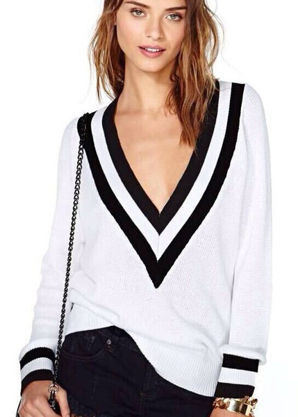 Loose v neck sweater