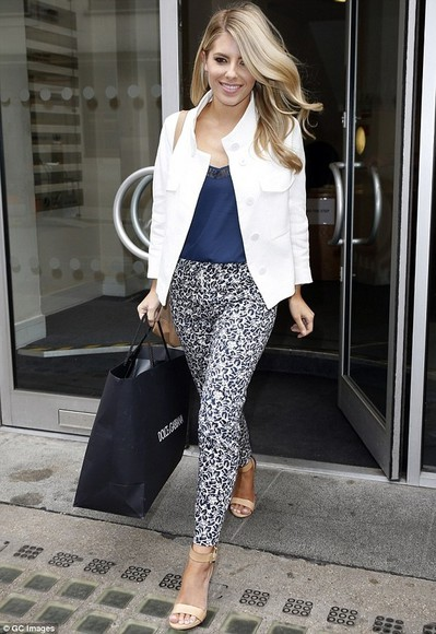 mollie king pants trousers tribal pattern pattern the saturdays black,white,pants,trousers,