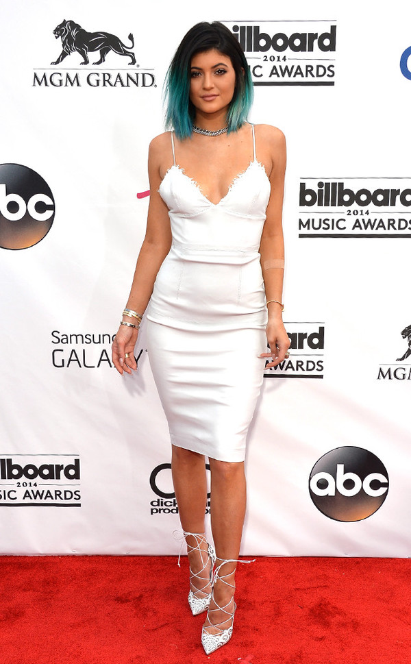 bralette kylie jenner white dress