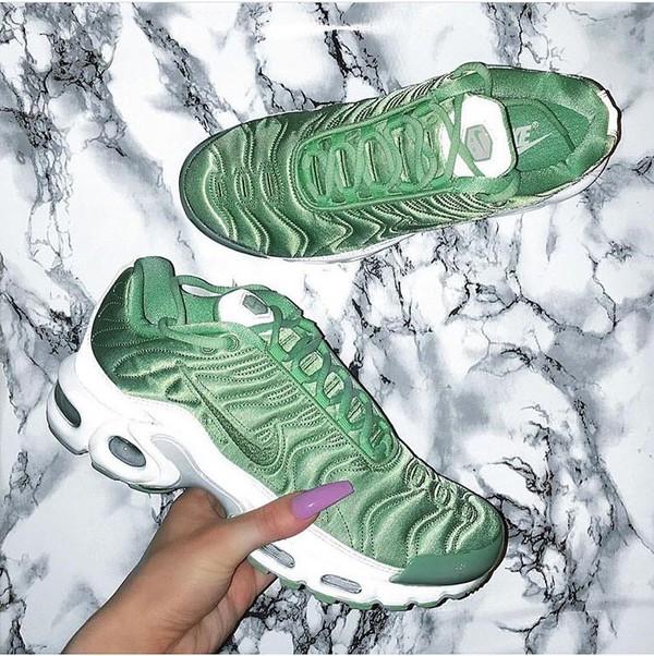 sports shoes c9d75 77361 nike air max plus enamel green