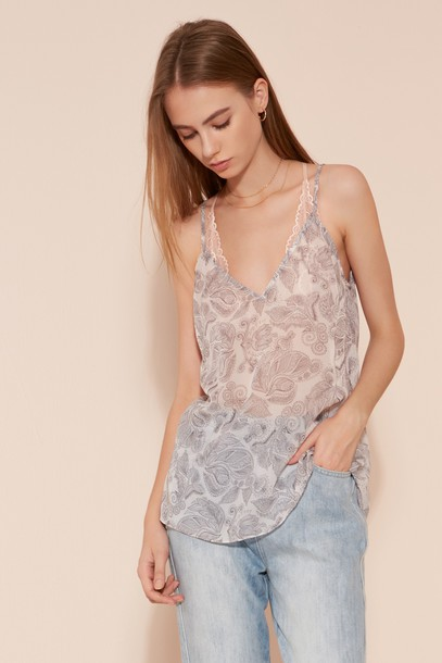 The fifth top print paisley