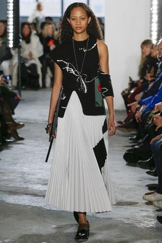 skirt selena forrest model pleated pleated skirt runway proenza schouler ny fashion week 2017 top midi skirt nyfw 2017 fashion week 2017