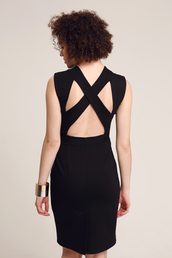 dress,black dress,little black dress,black and white,cross over dress,cut-out dress,cut-out,simple style,style,fashion,bodycon dress,bodycon,pencil skirt,pencil dress,date outfit,date dress,casual,casual dress,black pencil skirt,chic,classy,backless dress,backless,office outfits