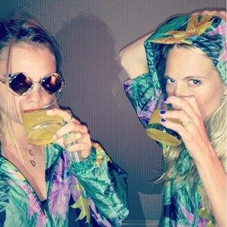 jacket floral cara delevingne sisters flowers tropical hipster sunglasses
