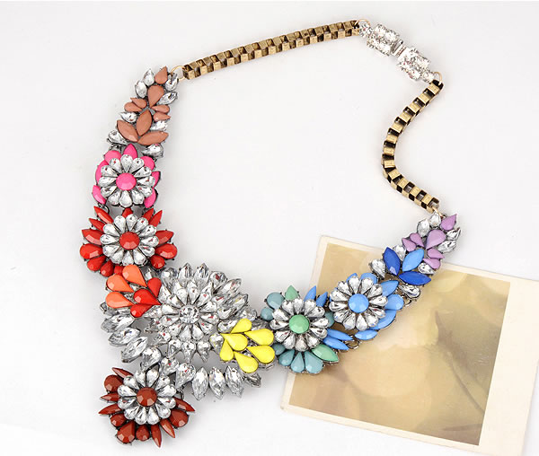 Vintage necklace by jewelry&beyond