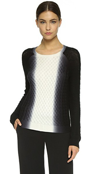 Vince sweater white black