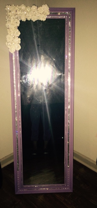 home accessory mirror