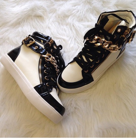 chain sneakers