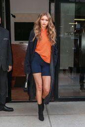 coat,robe,cardigan,gigi hadid,model off-duty,streetstyle,fall outfits,victoria's secret,victoria's secret model