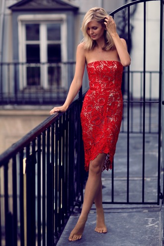 bustier dress red dress tuula blogger lace dress