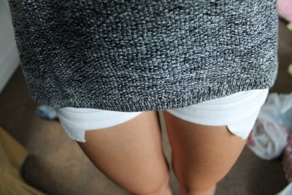 pockets white short shorts